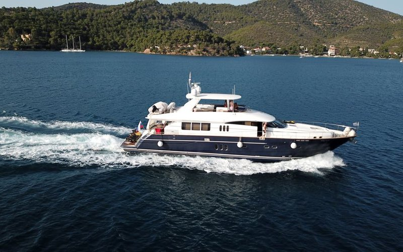 yacht1-5.jpeg